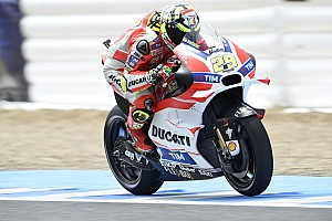 "MotoGP Breaking news Iannone complains of ""impossible"" lack of rear grip in Jerez qualifying"