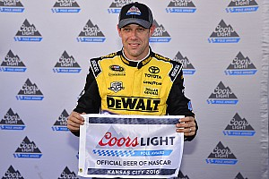 NASCAR Sprint Cup Qualifying report Kenseth leads Gibbs 1-2-3 in Kansas qualifying