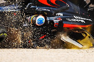 Formula 1 Top List Gallery: Fernando Alonso's accident sequence