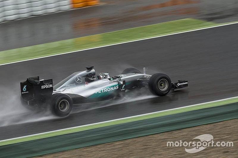 ロズベルグ、2017年用F1タイヤを初テストも悪天候に見舞われる