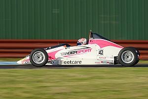 Другие Формулы Новость Чемпионкой Австралии в одном из формульных классов впервые стала женщина