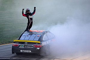 NASCAR Sprint Cup Race report Truex wins his way into second round of the Chase