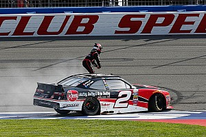 NASCAR Xfinity Rennbericht Hochdramatisches Xfinity-Finish in Fontana endet mit Sieg für Austin Dillon