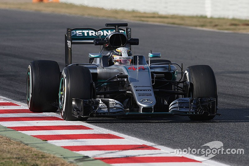 Hamilton and Rosberg wrap up successful opening week for the F1 W07 Hybrid