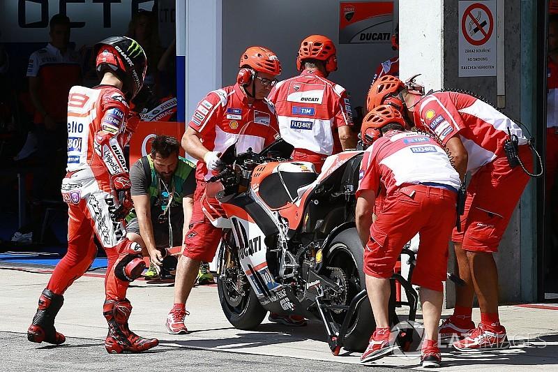 Motomondiale, sul circuito del Mugello vince Lorenzo. Cade Marquez, Rossi terzo