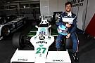 Vintage Ricciardo prova la Williams FW07 di Jones e ritrova il sorriso dopo Monaco