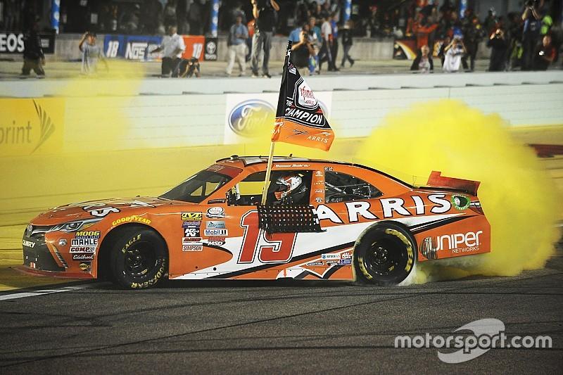 Thriller in Homestead: Daniel Suarez erringt NASCAR Xfinity-Titel 2016