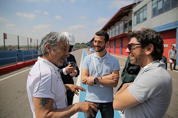 """MotoGP Noticias de última hora Lucchinelli: """"Viñales es como Márquez, pero habla menos"""""""