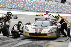 Pitstop for #5 Action Express Racing Corvette DP: Joao Barbosa, Christian Fittipaldi, Filipe Albuquerque, Scott Pruett