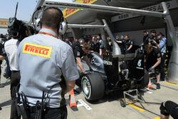 Mercedes AMG F1 Team W07 pit stop