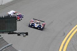 #37 SMP Racing BR01 Nissan: Maurizio Mediani, Nicolas Minassian, Mikhail Aleshin, Kiriil Ladygin takes the checkered flag