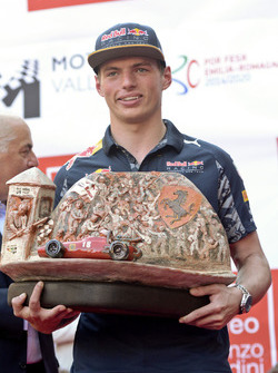 Max Verstappen, Red Bull Racing with the Trofeo Lorenzo Bandini