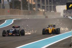 Carlos Sainz Jr., Scuderia Toro Rosso STR11, Jolyon Palmer, Renault Sport F1 Team RS16