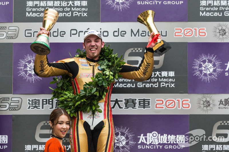 Race winner:Peter Hickman, BMW