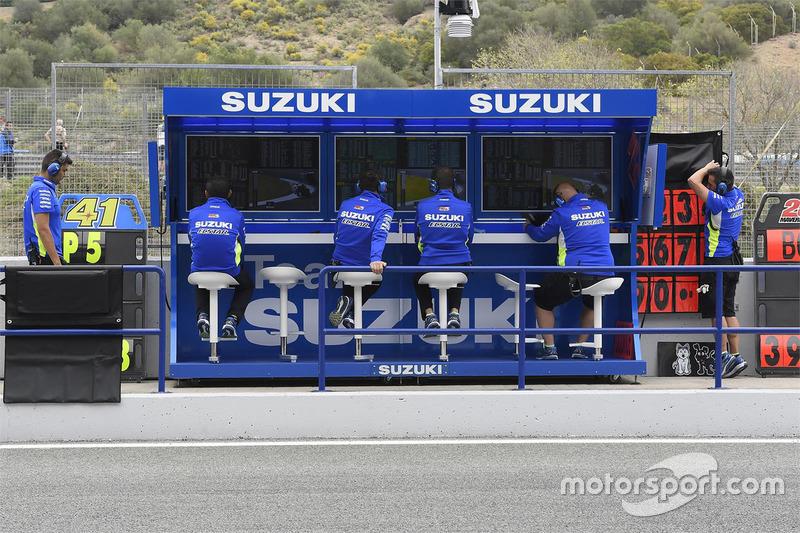 Team Suzuki MotoGP pit lane gantry