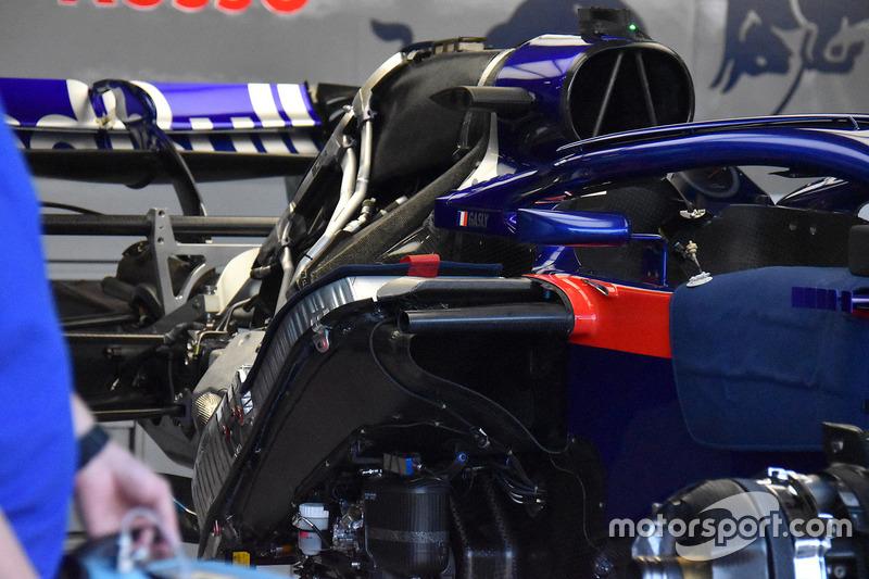 Parte trasera de la Scuderia Toro Rosso STR13