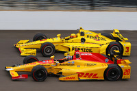IndyCar Photos - Ryan Hunter-Reay, Andretti Autosport Honda, Helio Castroneves, Team Penske Chevrolet