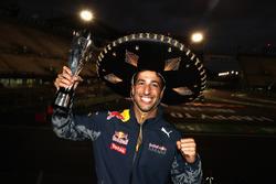 Temporada 2016 F1-mexican-gp-2016-third-place-daniel-ricciardo-red-bull-racing
