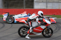 Formula E Photos - Nick Heidfeld, Mahindra Racing and Danny Webb, Mahindra MGP3O