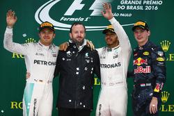 Podium: Nico Rosberg, Mercedes AMG F1, second; Lewis Hamilton, Mercedes AMG F1, race winner; Max Verstappen, Red Bull Racing, third