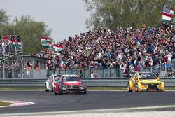 José María López, Citroën World Touring Car Team, Citroën C-Elysée WTCC and Nicky Catsburg, LADA Sport Rosneft, Lada Vesta
