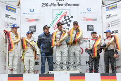 Podium: Horst Farnbacher, Sieger Dominik Farnbacher, Mario Farnbacher, Farnbacher Racing, Lexus RC F GT Prototype; 2. Alexander Sims, Stef Dusseldorp, ROWE Racing, BMW M6 GT3; 3. Christopher Mies, Connor De Phillippi, Land Motorsport, Audi R8 LMS