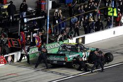 Pit stop Johnny Sauter, GMS Racing Chevrolet