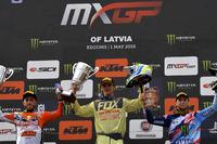 Mondiale Cross MxGP Foto - Il podio: da sinistra Antonio Cairoli, Tim Gajser e Romain Febvre