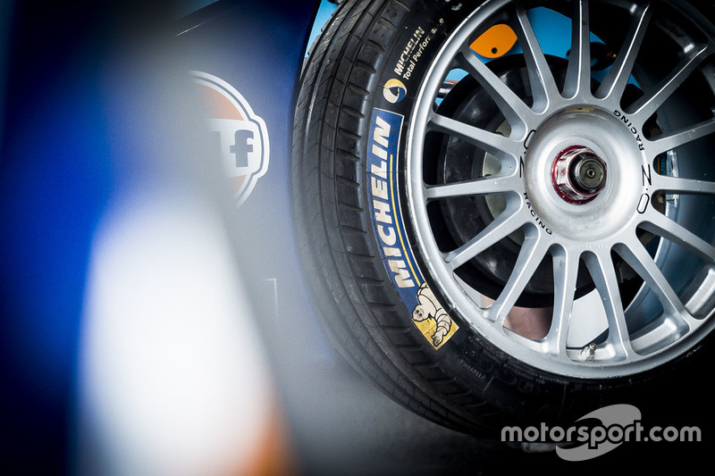 Team Aguri Michelin tyre detail