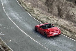 Ferrari California T HS
