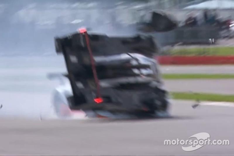 Brendon Hartley quase capota e abandona as 6 Horas de Silverstone