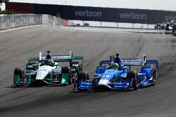 Tony Kanaan, Chip Ganassi Racing Chevrolet, Simon Pagenaud, Team Penske Chevrolet