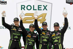 Overall winner: #2 ESM Racing Honda HPD Ligier JS P2: Scott Sharp, Ed Brown, Johannes van Overbeek, Pipo Derani