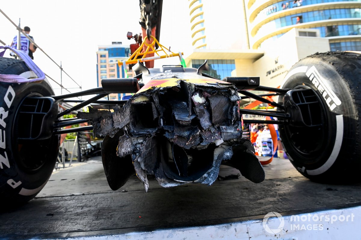 Damage on the car of Max Verstappen, Red Bull Racing RB16B after retiring