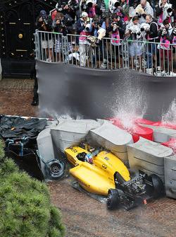 Temporada 2016 F1-monaco-gp-2016-jolyon-palmer-renault-sport-f1-team-rs16-crashes-out-of-the-race