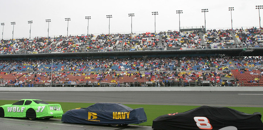 BUSCH: Daytona race red flagged for rain