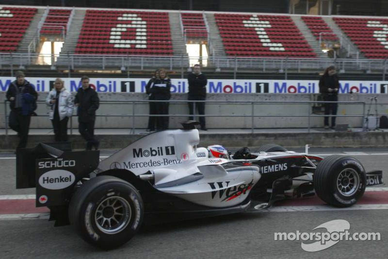 MP4-20 completes first day of test
