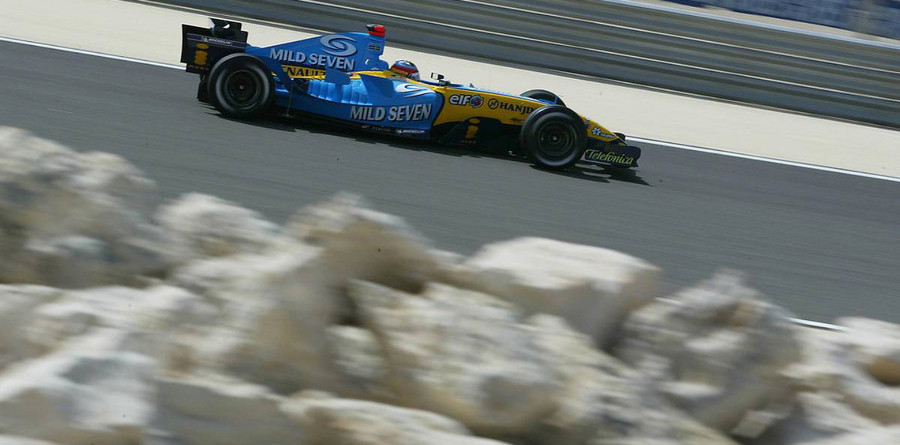 Alonso flies to provisional pole for Bahrain GP