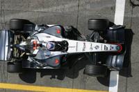 Raikkonen wins fight for San Marino GP provisional pole