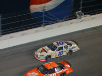 Stewart dusts 'em at Daytona