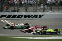 IRL: Kanaan wins Kansas thriller