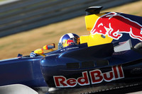 Coulthard eyes Red Bull future