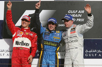 Alonso wins fight for Bahrain GP victory