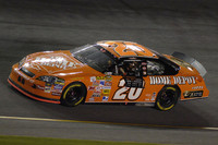 Stewart wins at Daytona