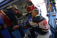 Martin puts retirement off for new team