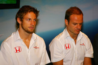 Honda race drivers unchanged for 2008
