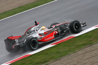 Williams pushes to testing forefront in Barcelona