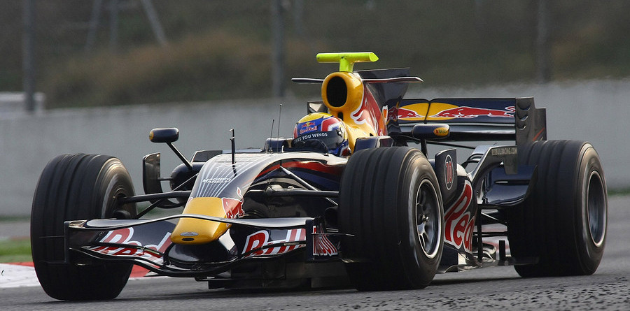 Hamilton nips Webber on Friday practice in Australia