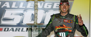 Kyle Busch speeds to Darlington win