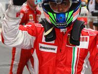 Massa lands pole on the streets of Valencia